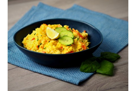 Sárga currys sült rizs (enyhén csípős)