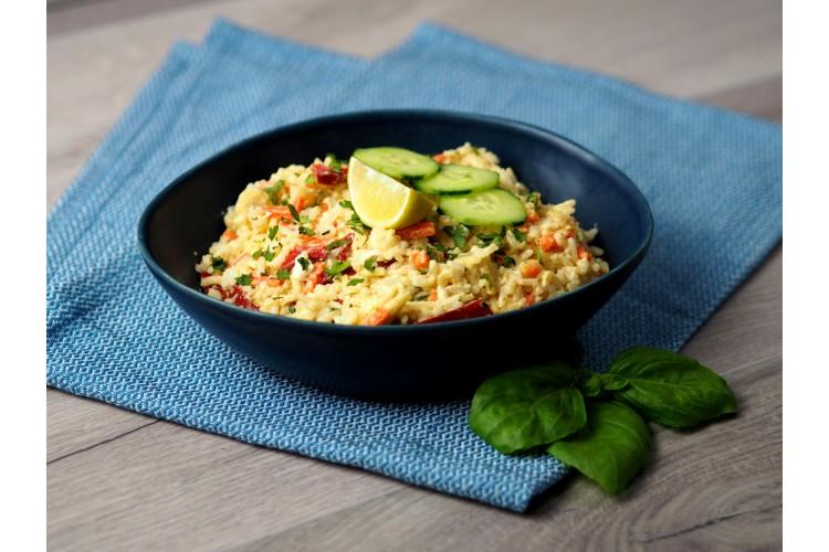 Zöld currys sült rizs (közepesen csípős)